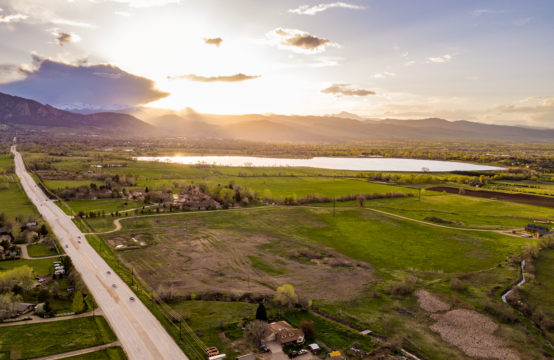 Gorgeous 37 ac. lot in Boulder with approved home plans