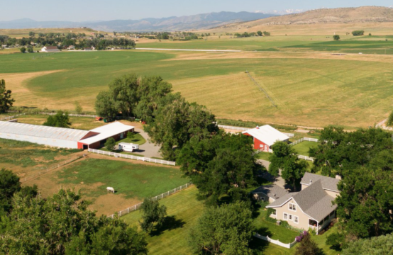 Peaceful and Expansive Living in Rural Boulder County // Bring your horses and your dreams!