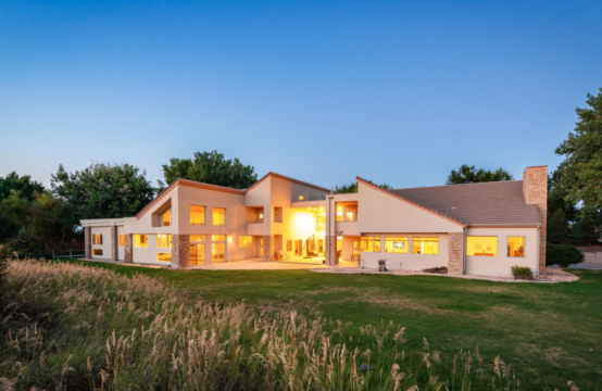 Luxurious Living Featuring All The Amenities // Enjoy your own 55 acres!